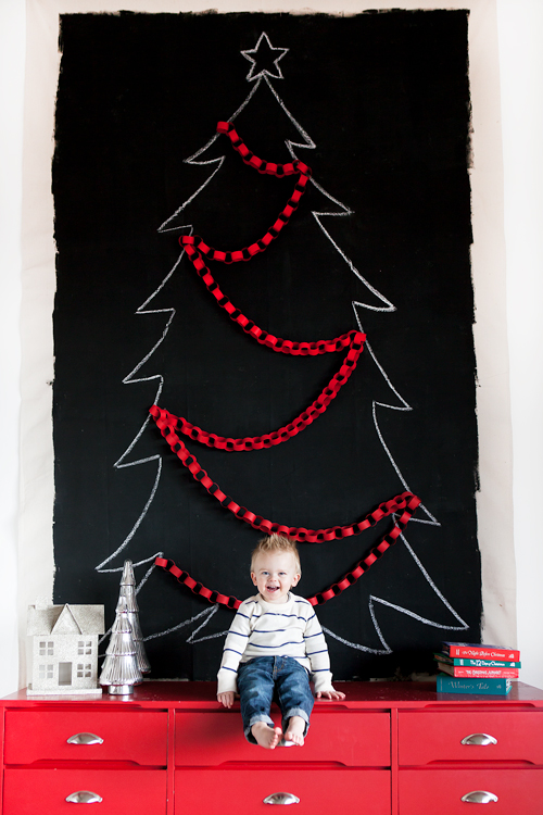 The Perfect Small Space Christmas Tree Ideas | SHUGGILIPPO - A Los Angeles Millennial Lifestyle & Parenting Blog - Millennial Mom Blogger - Millennial Mom Vlogger