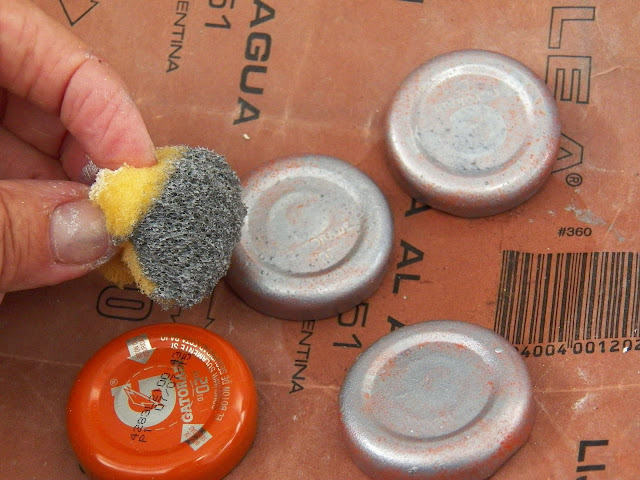 Haciendo manualidades: reciclado de botellas y cajÓn de madera