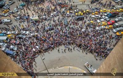 Como os gays são jogados dos predios pelo Estado islâmico