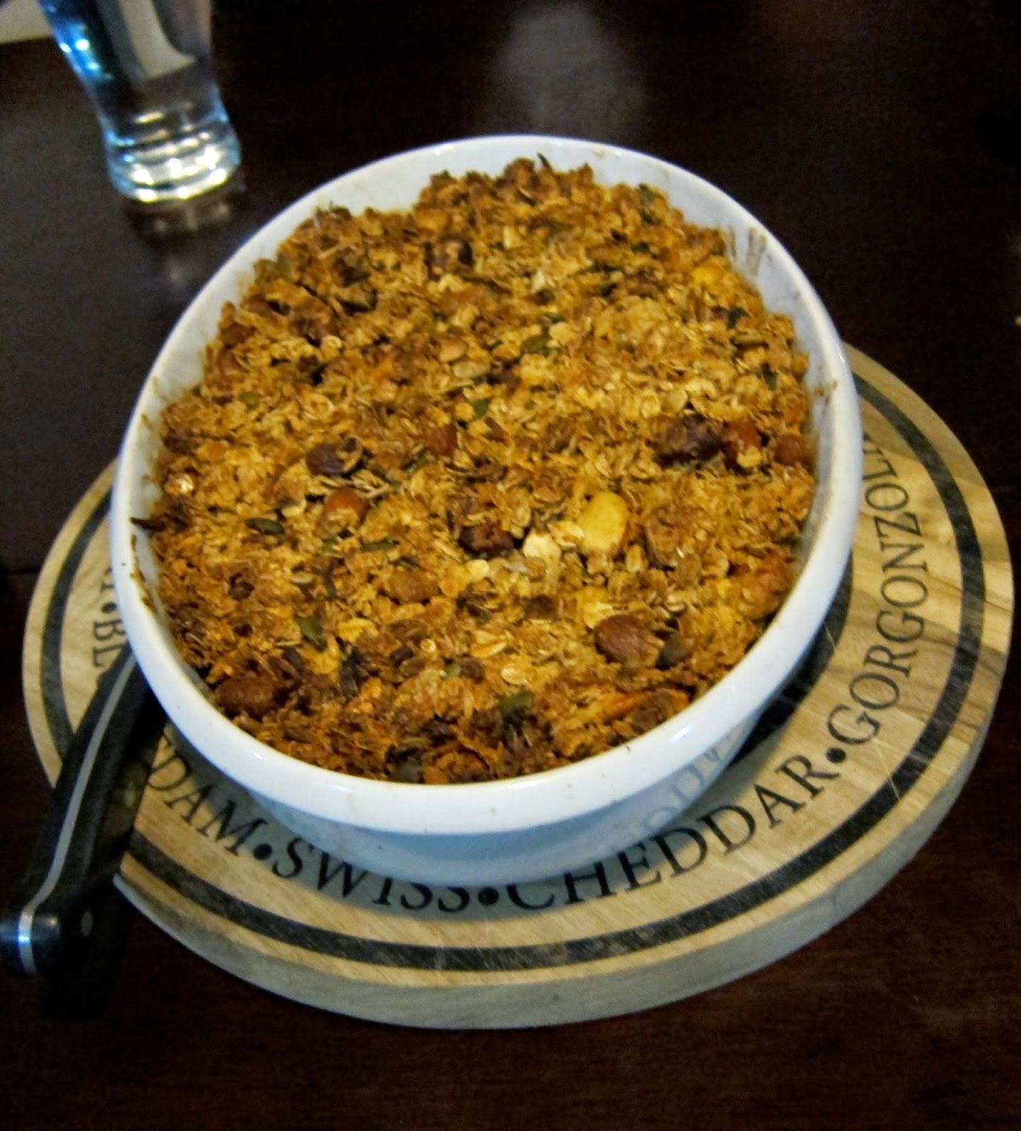 rhubarb pear crumble granola recipe