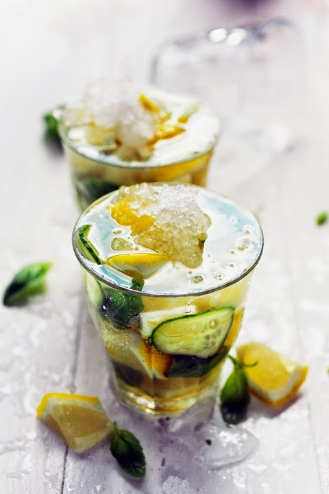 Caïpirinha basilic citron gool ! gool ! goooool Brazilll !!! Et si grâce à Edda je tenais aussi mon cocktail de l'été ?
