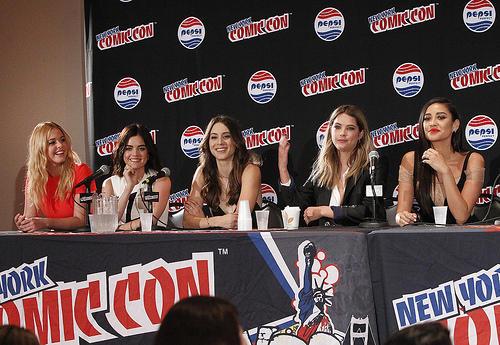 PLL Cast talk at New York Comic Con
