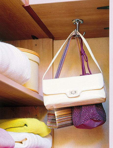 Neo arquitecturaymas ideas para organizar tus bolsos en - Perchas para bolsos ...