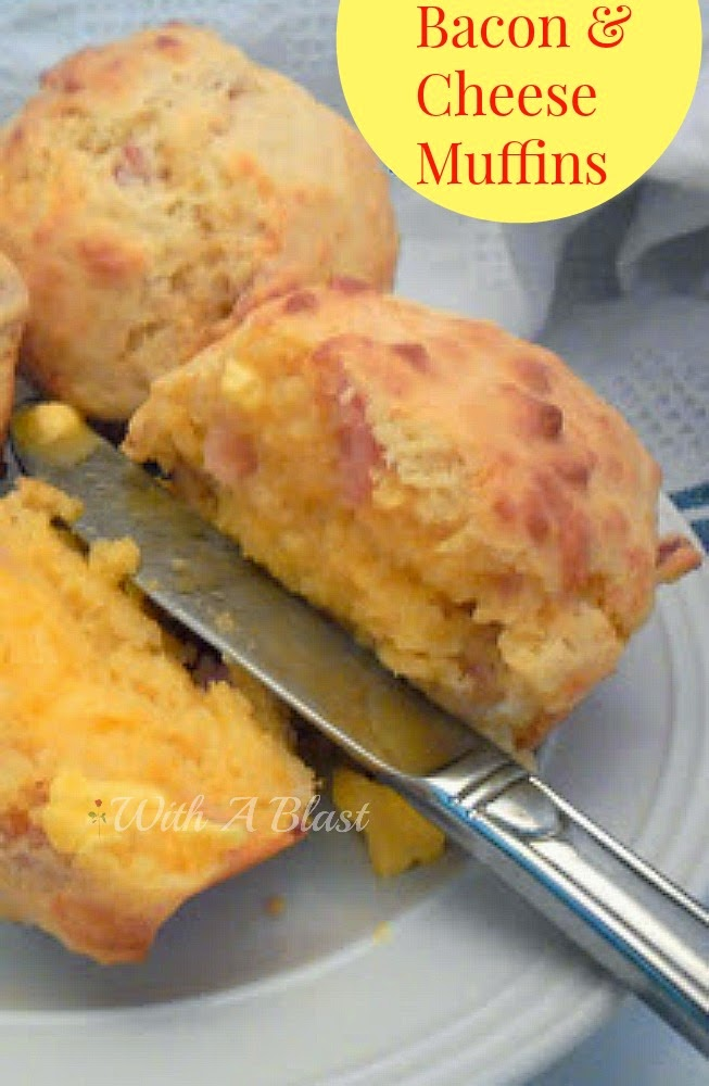 Bacon and Cheese Muffins ~ Perfect breakfast muffin and delicious served warm with butter only #Muffins #Breakfast #SavoryMuffins