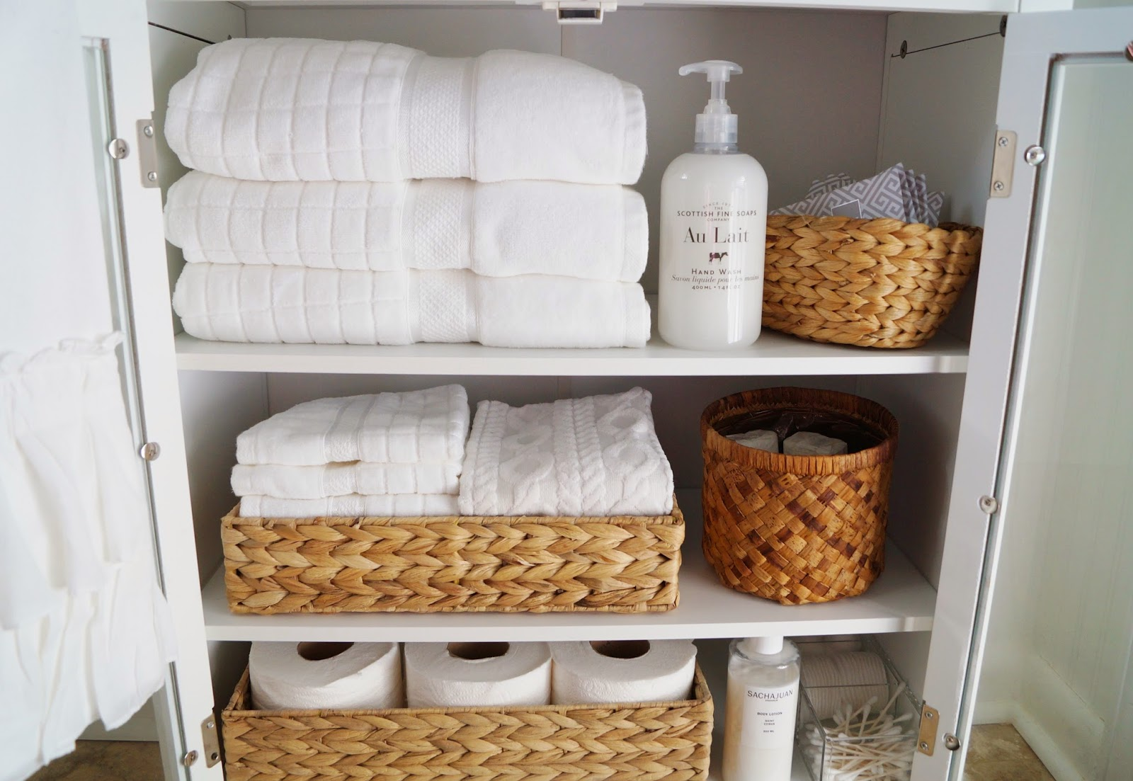 Don\'t Disturb This Groove: Small-Bathroom Linen Cabinet