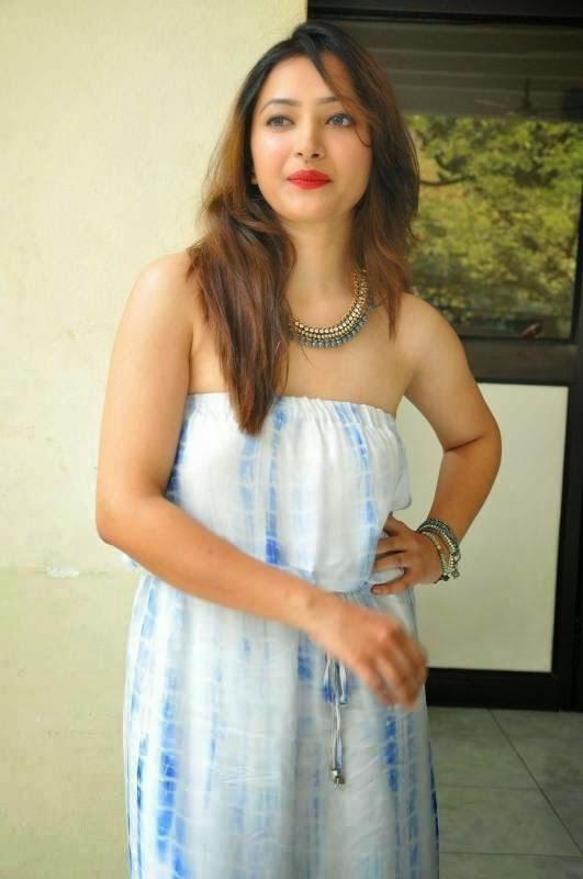 Shweta Basu Hot Latest Stills