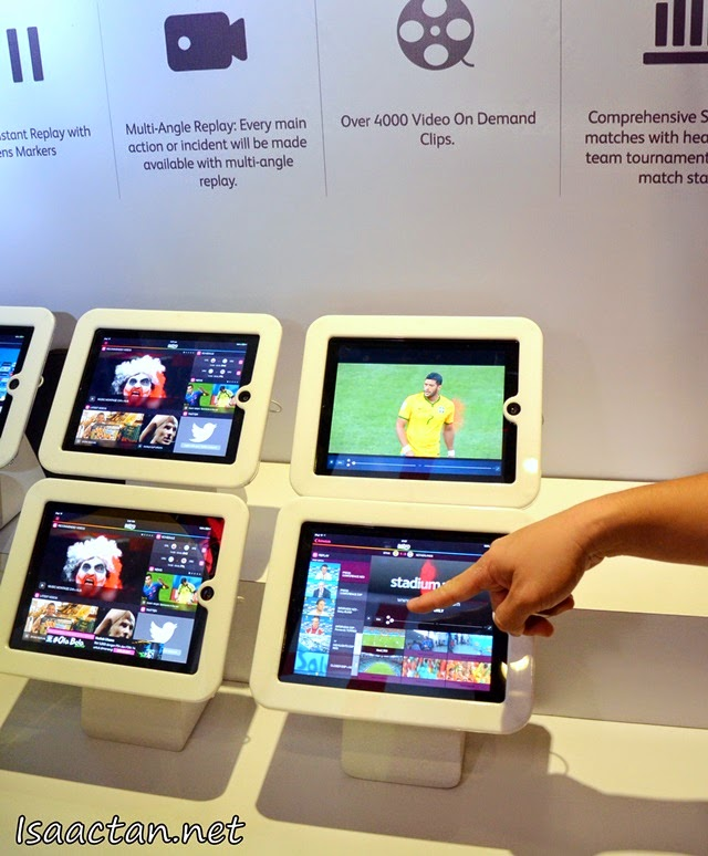 We could play with all the applications on the spot during the #OlaBola World Cup Party