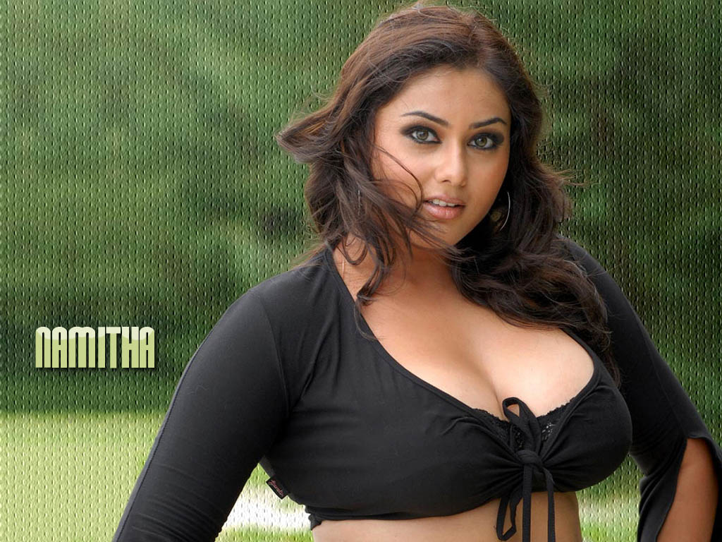 Tamil Actress Namitha Latest Hot Sexiest Photographs