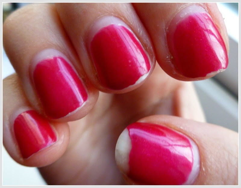 Eve\'s Dropping: Fix Chipped Nail Polish
