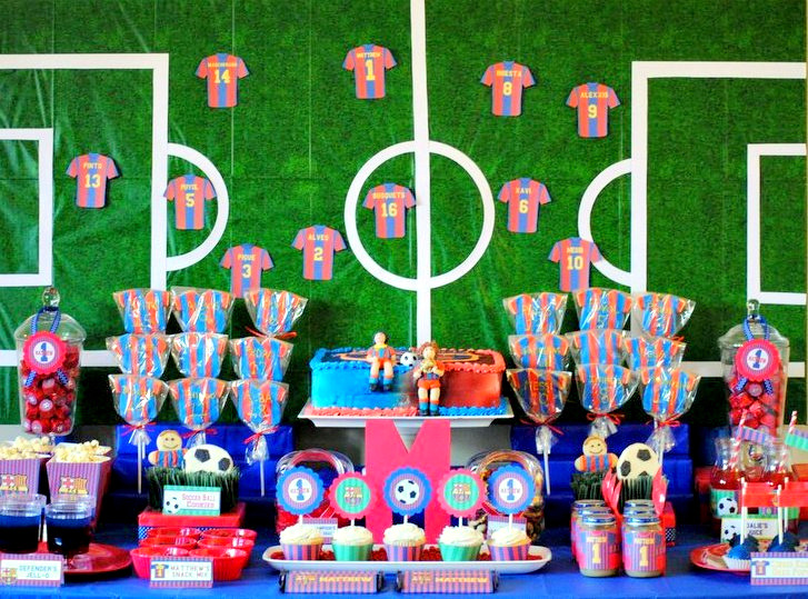 Karo 39 s fun land barcelona soccer themed birthday party - Decoration football pour anniversaire ...