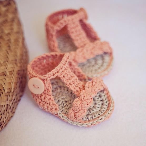 Free Crochet Pattern For Baby Summer Sandals : Feito Por Mim ! Artesanato para iniciantes.: Sandalia de ...