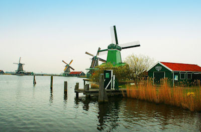 Molinos de viento en Holanda - Windmills in Holland