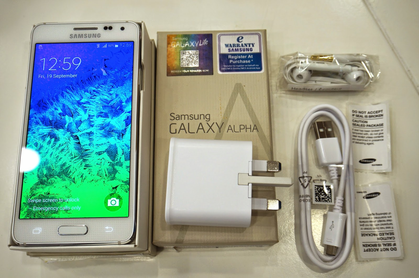 Unboxing Samsung Galaxy Alpha September 2014