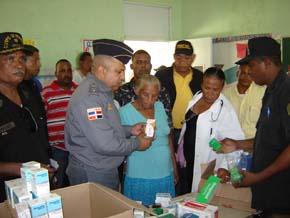 PN lleva operativo médico a Brisas del Este