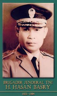 gambar-foto pahlawan nasional indonesia, Hasan Basry