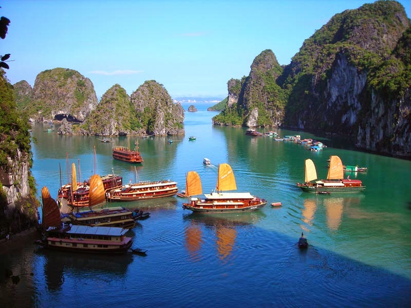 Pulau-Ha-Long-Bay-Vietnam