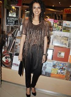 Shruti Haasan at Rashmi Shetty's 'Age Erase' book launch (5).jpg