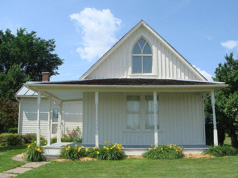 Carpenter Gothic House In Iowa From Famous Painting American Gothic