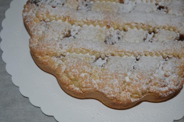 crostata con marmellata di pesche