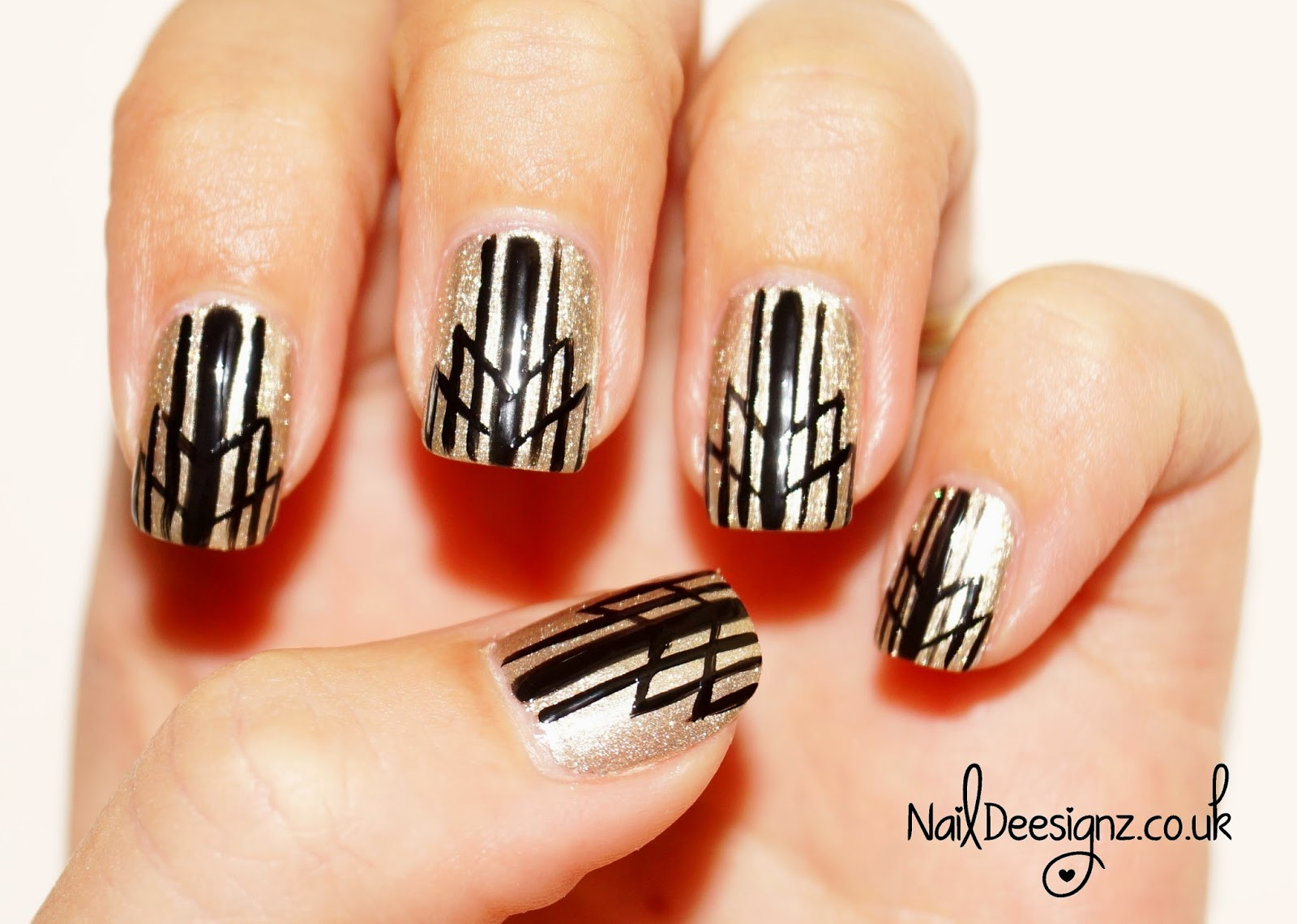 naildeesignz art deco nail art. Black Bedroom Furniture Sets. Home Design Ideas