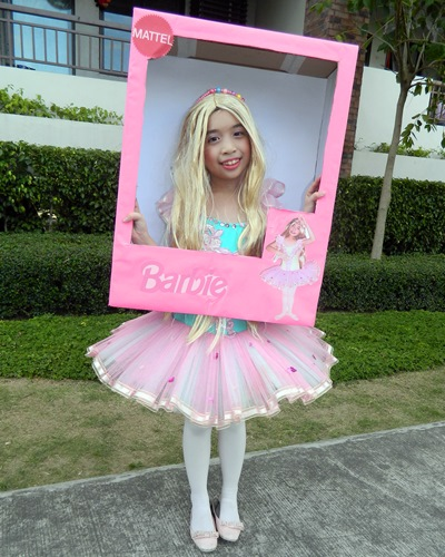 Barbie costume, DIY barbie in box costume, Barbie halloween costume idea