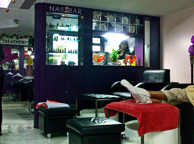 nailbar inside salon
