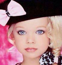 El escandaloso mundo de los Concursos Infantiles de Belleza