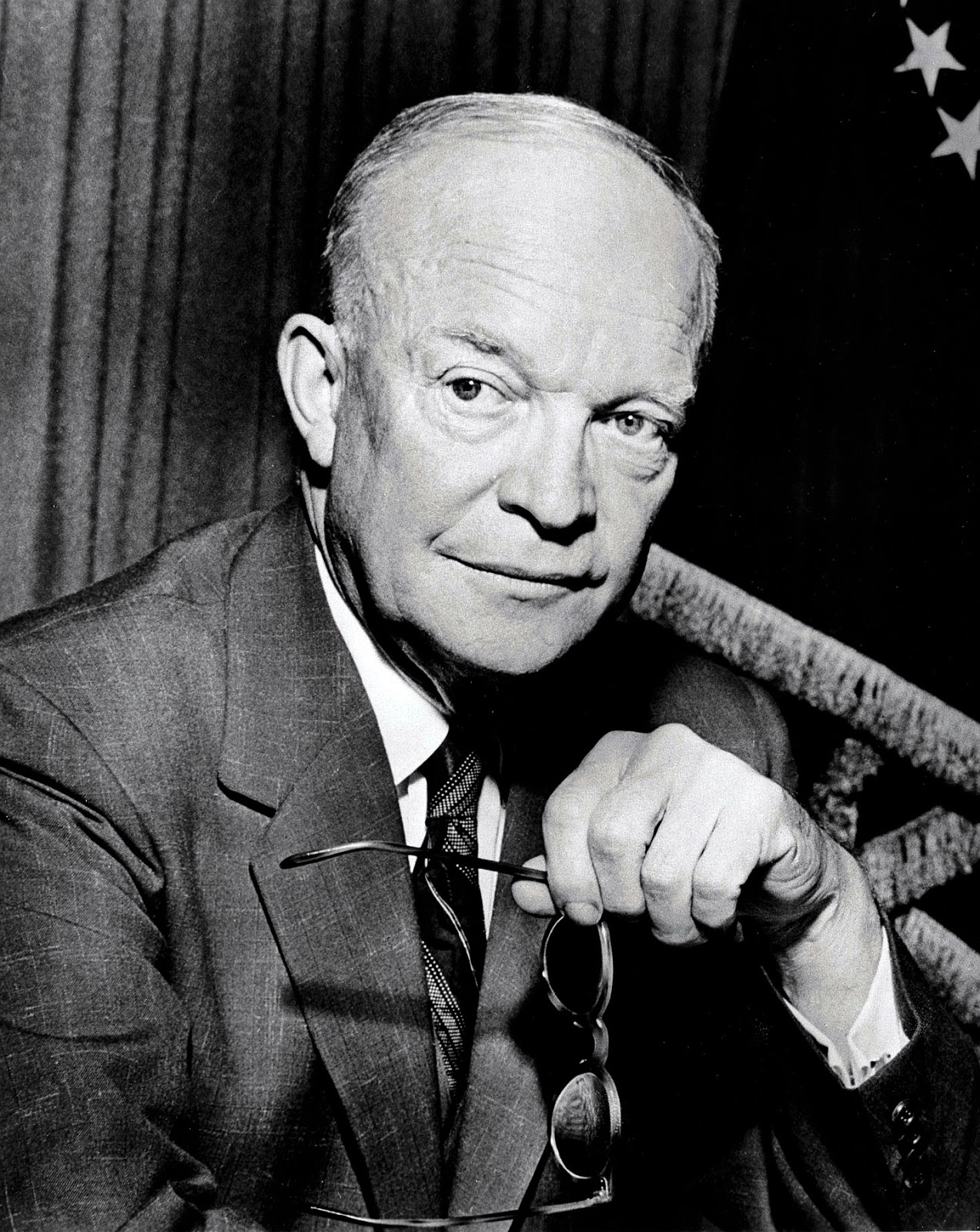 eisenhower presidency Bringing to the presidency his prestige as commanding general of the victorious forces in europe during world war ii, dwight d eisenhower obtained a truce in korea and worked incessantly during .