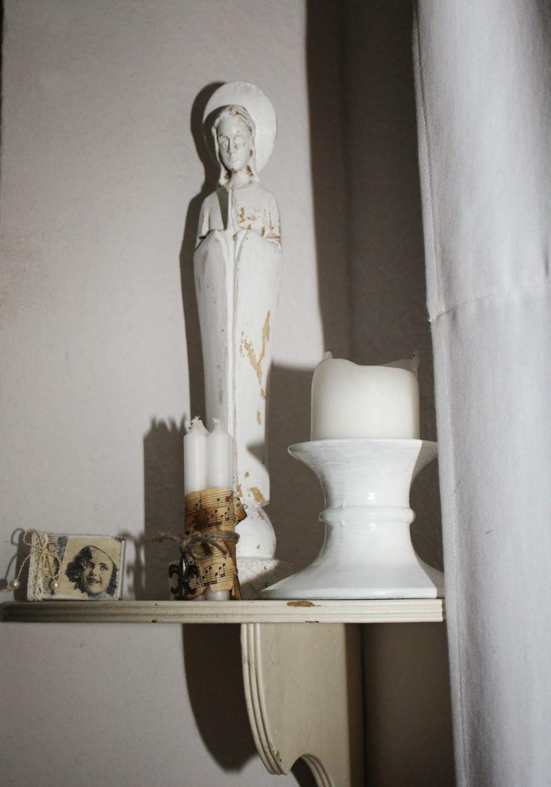 feuersonnenblume neue farbe braucht die wand. Black Bedroom Furniture Sets. Home Design Ideas