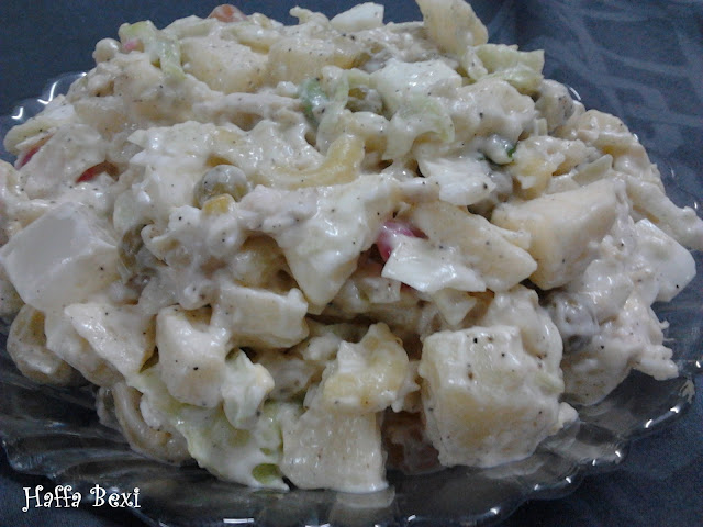 Mayonnaise| Cream| Chicken| Peas| Russian Salad| Cabbage| Pineapple| Potato| Carrot| Macaroni| Apple| Boiled egg