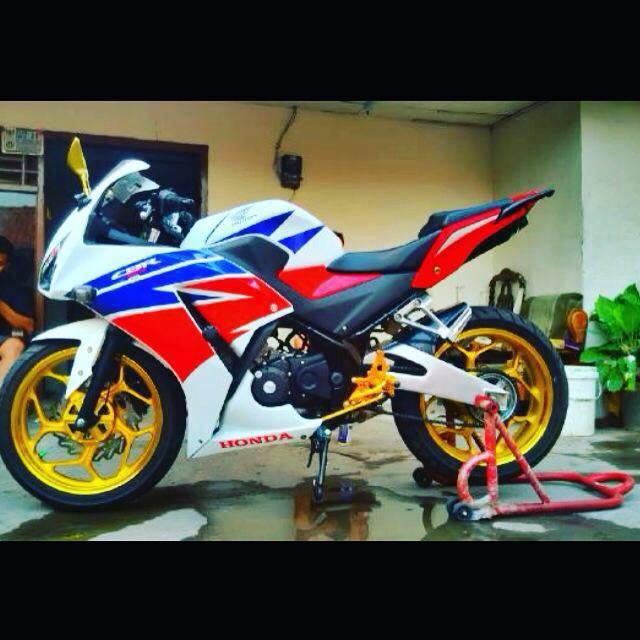 Modifikasi Honda CBR150R Pakai Arm Yamaha YZFR15 dan Velg Ninja