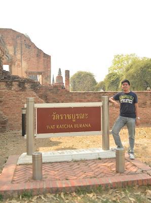Wat Ratchaburana Entrance