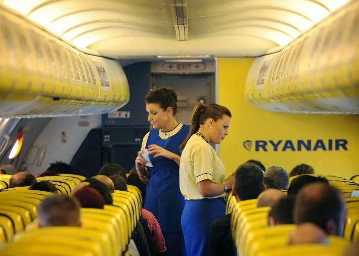 ryanair-cabin-crew-(1).jpg