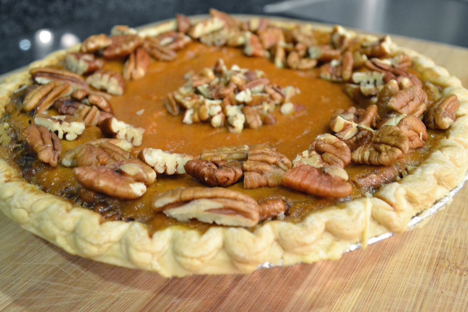 ...with a lil' twist: Pumpkin Pecan Maple Pie