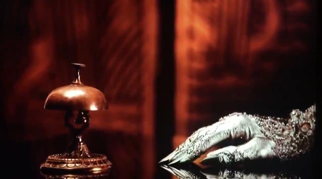 Primer teaser oficial de 'American Horror Story: Hotel': 'Front Desk'