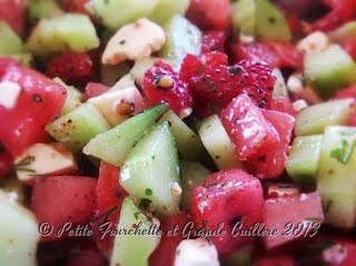 Salade fraîcheur pastèque, fraises, concombre, féta.
