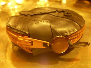 köralakú cipzáras pénztárca bicikli gumibelsőből