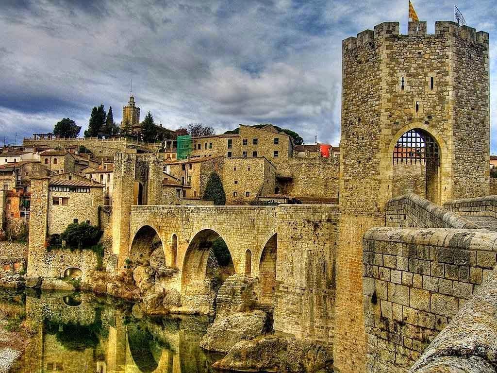 Besalú, a cidade do milagre da espada de São Martinho de Tours
