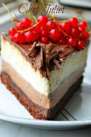 کیک شکلاتی موس ۳ لایه