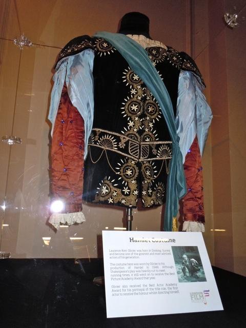 Laurence Olivier Hamlet costume