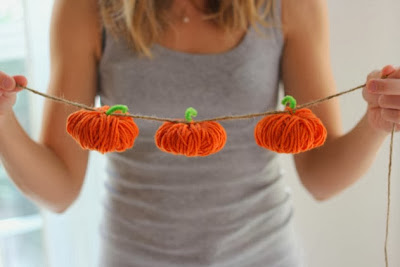 pumpkin garland yarn craft