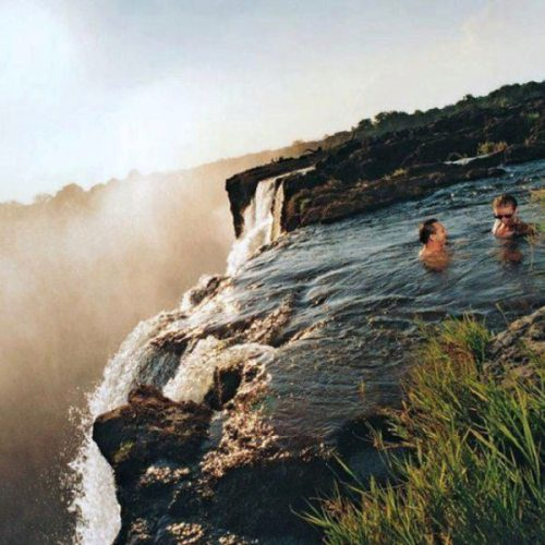 victoria falls Welcome to victoria fallscom victoria falls spectacular nature, adventures, golf, casino and wildlife on victoriafallscom you are in direct contact with safari.