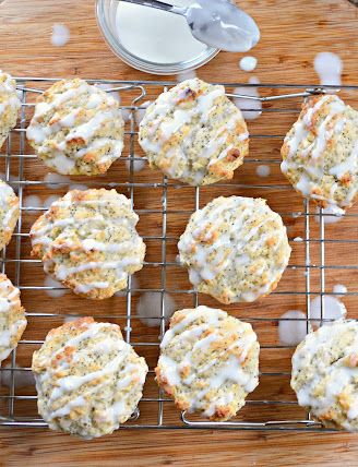 Lemon-Poppy-Seed-Muffins-Drizzle-Icing.jpg