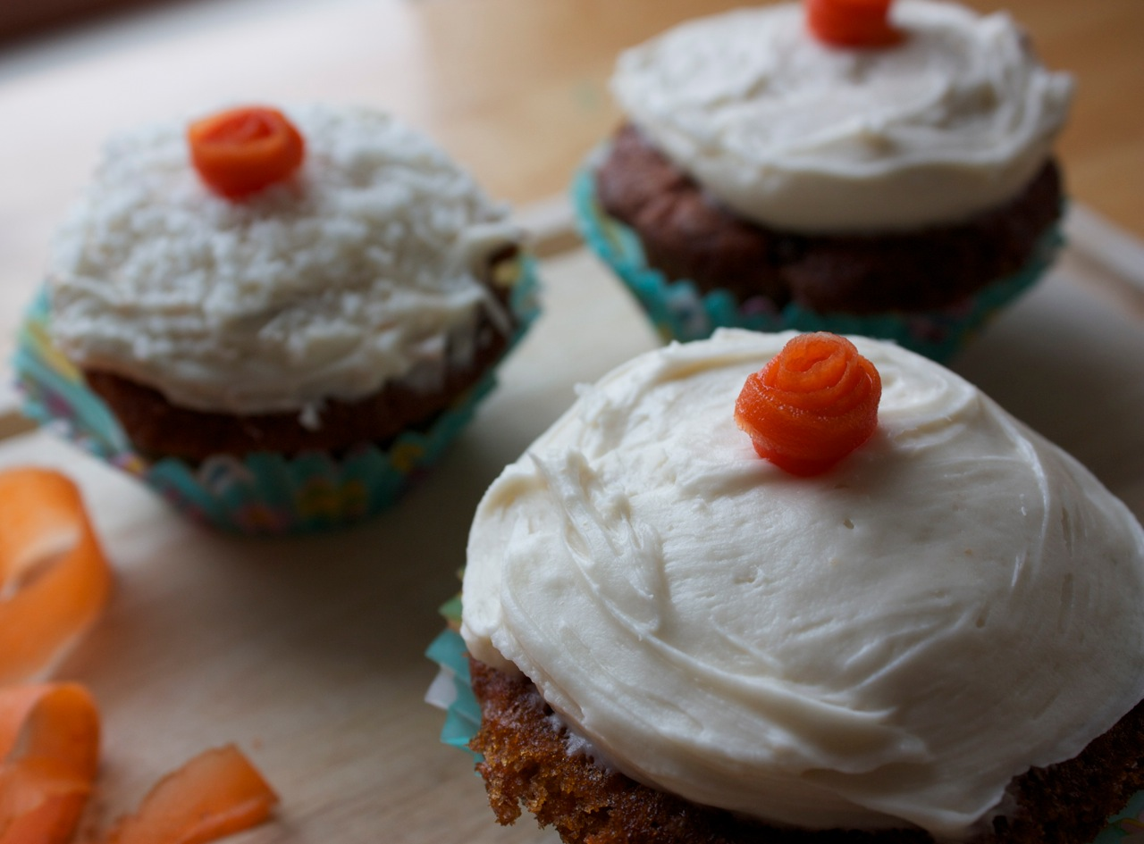 umommy: Recipe: Carrot Cupcakes with Cream Cheese Frosting