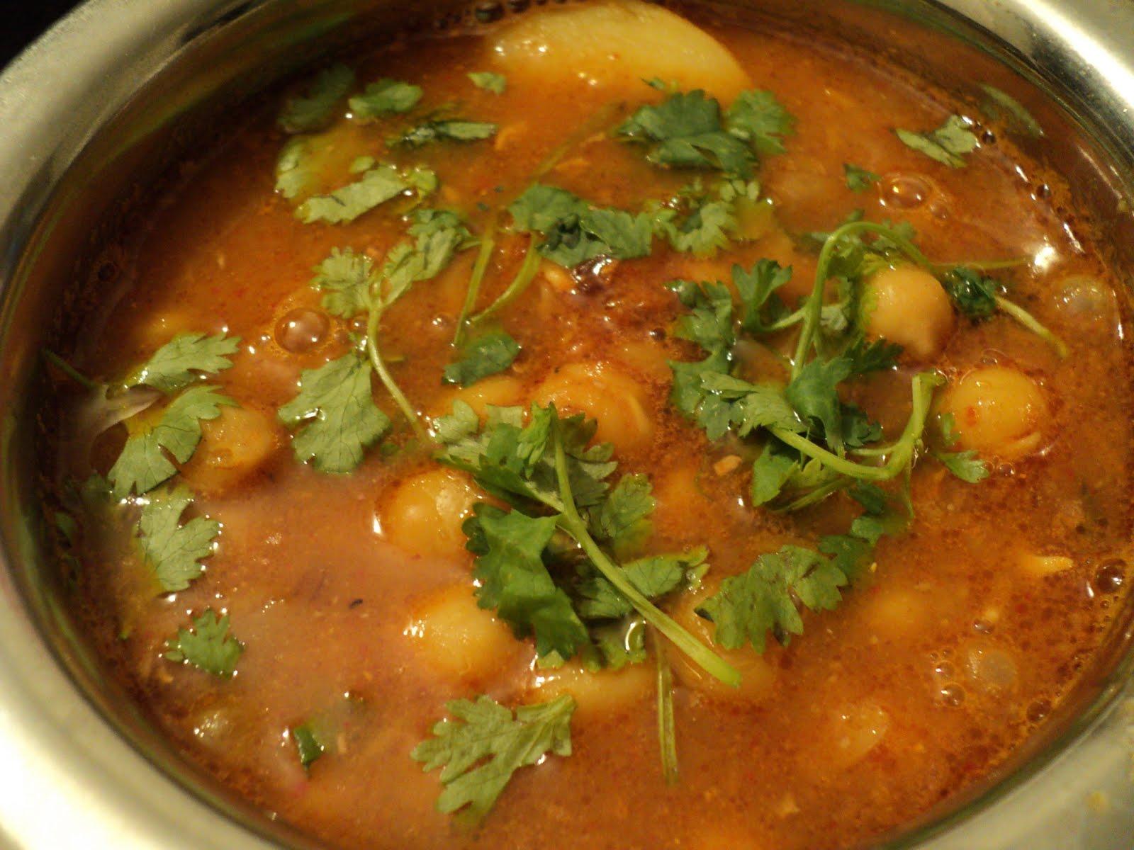 Oriyarasoi the cosmopolitan odias kitchen ghuguni mixed ghuguni mixed choley without onion garlic forumfinder Images