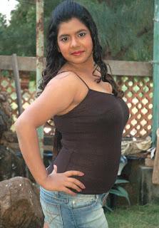 tamil gundu aunty sexy sideview photos