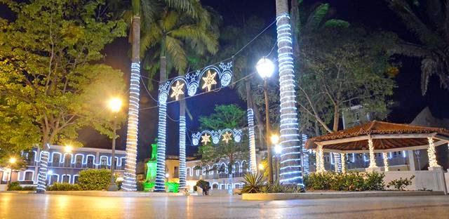 Praça Benedito Leite