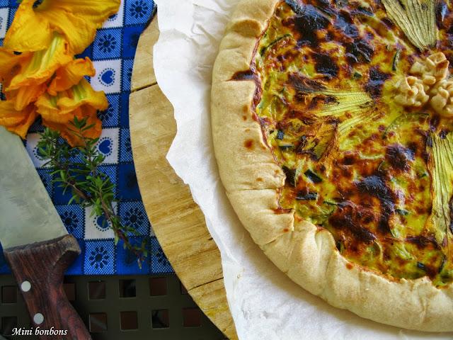 quiche con fiori di zucca, zucchine e crescenza • pie with zucchini, zucchini flowers and crescenza