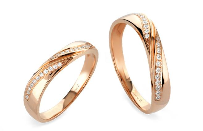 Singapore's Girly Wedding Bands