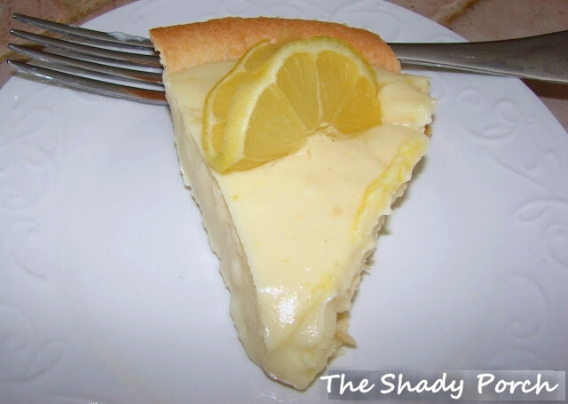 Lemony Sour Cream Pie #lemon dessert recipe
